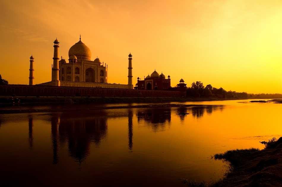 Taj Mahal Sunrise Private Tour from Delhi