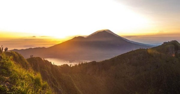 Bali Mount Batur Sunrise Hike and Natural Hot Spring Group Tour