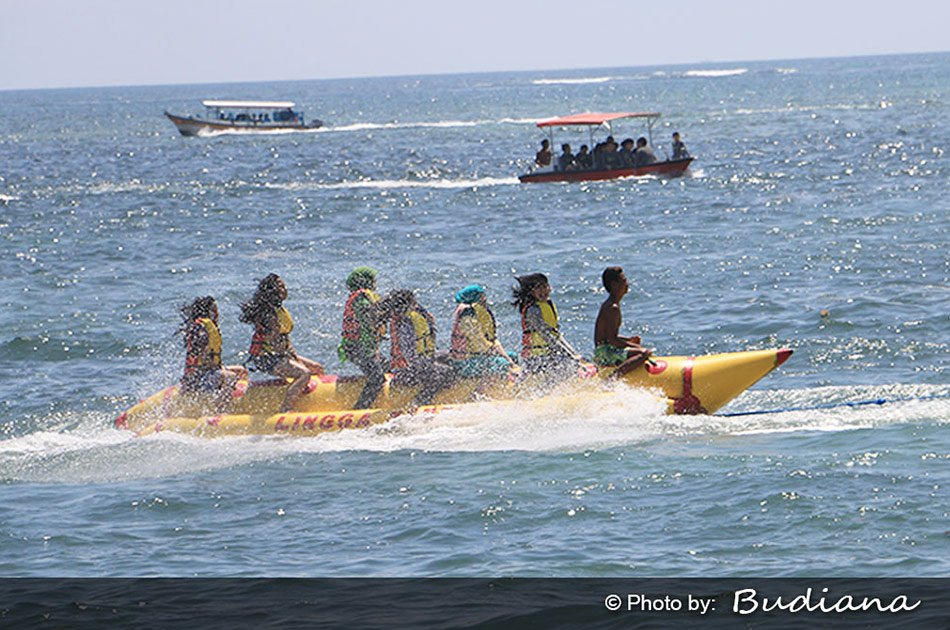 Half Day 3 in 1 - Banana Boat, Coral Underwater Walks and Fly Fishing Nusa Dua Tour