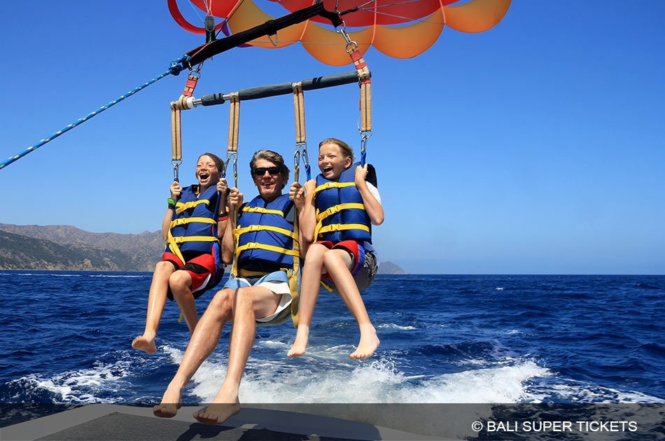 Half Day 3 in 1 - Parasailing, Turtle Conservation Island and Glass Bottomed Boat Nusa Dua Tour