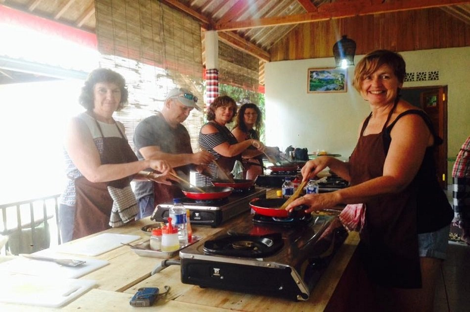 Morning Cooking Class and Market Tours in Ubud