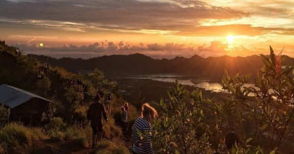 Mount Batur Sunrise Trekking with Breakfast Atop Group Tour