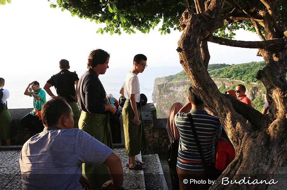Private Half Day Uluwatu Sunset, Kecak & Dinner in Jimbaran Bay