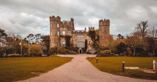 Afternoon Malahide Castle & Northern Coastal Group Tour