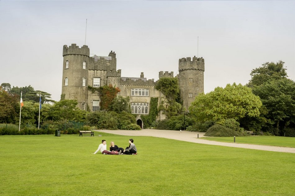 Afternoon Malahide Castle & Northern Coastal Group Tour