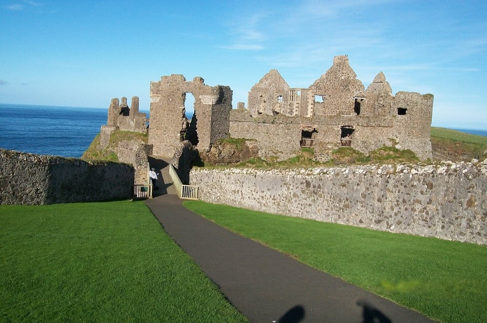 Giants Causeway Fully Guided Group Experience