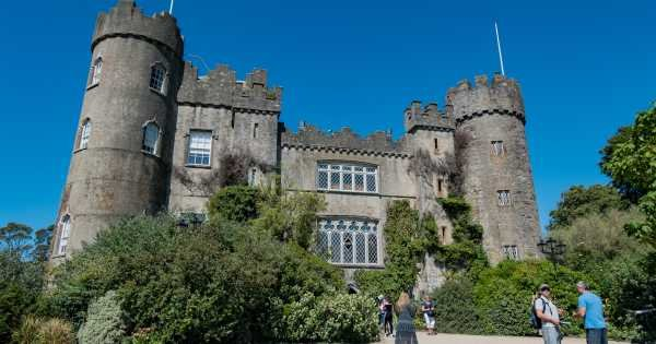 Morning Malahide Castle & Northern Coastal Group Tour