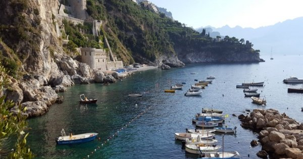 Amalfi Coast Sightseeing and Surrounding Area