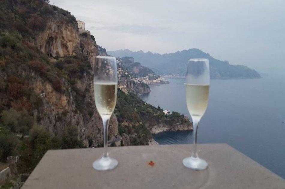 Amalfi Coast Sightseeing and Surrounding Area