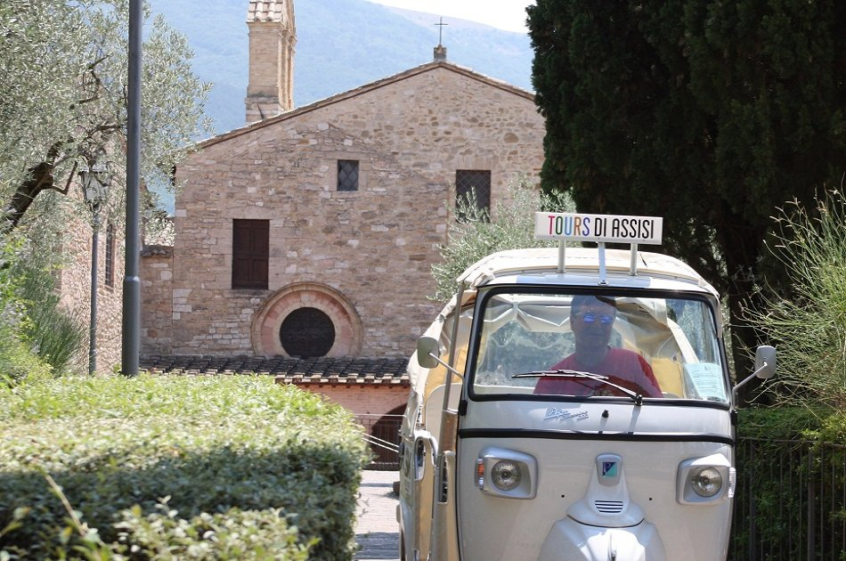 Ape Calessino Vintage Private Tour of Assisi