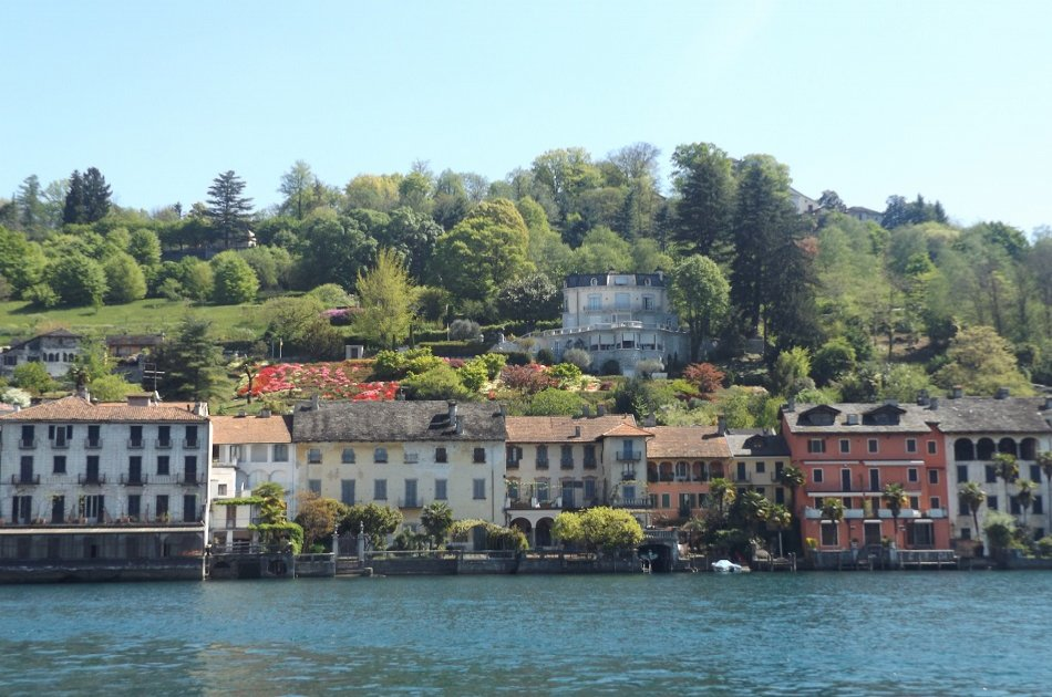 Beautiful Lake Orta and San Giulio with a guide