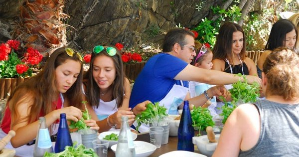 Cinque Terre Pesto Course with Lunch and Boat Trip from La Spezia