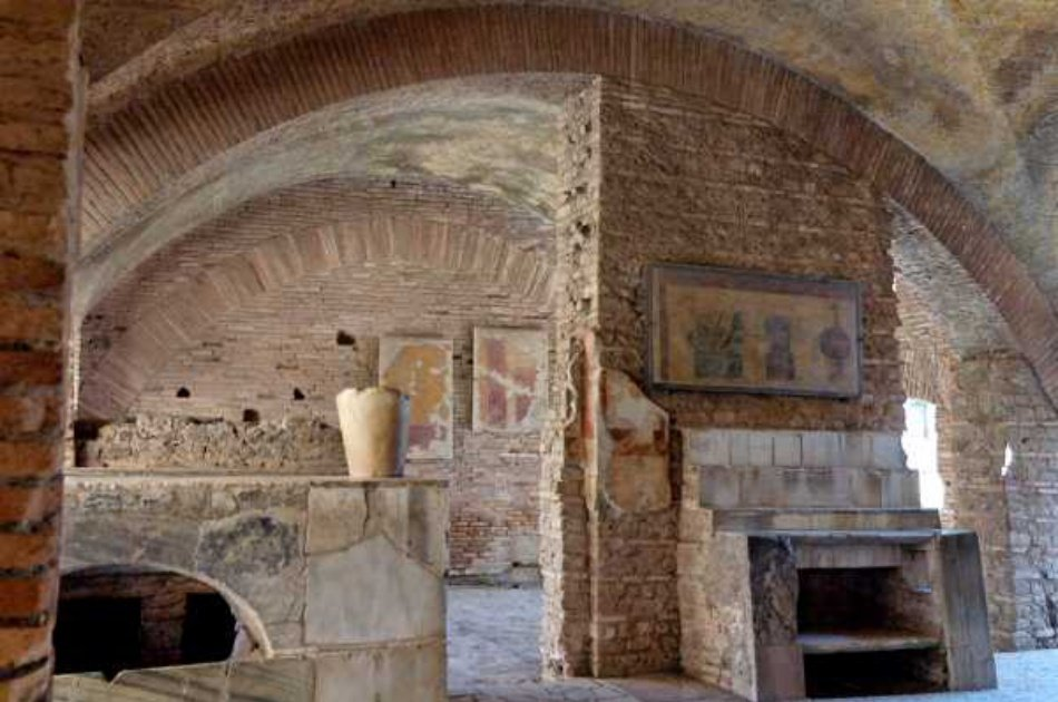 Cruise on the Tiber River and Private Guided Tour of Ancient Ostia