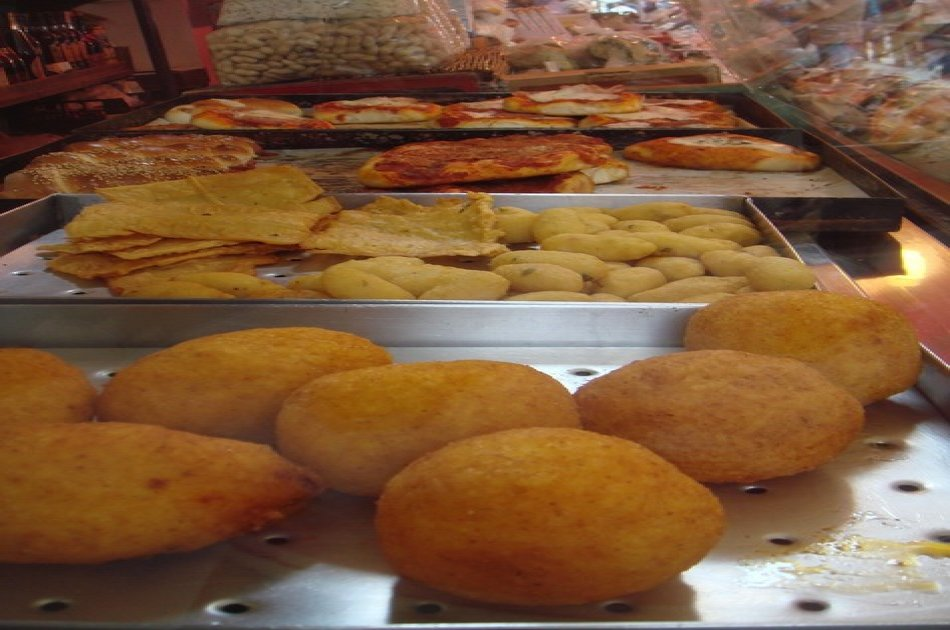 Delicious Street Food Walking & Tasting Tour in Palermo