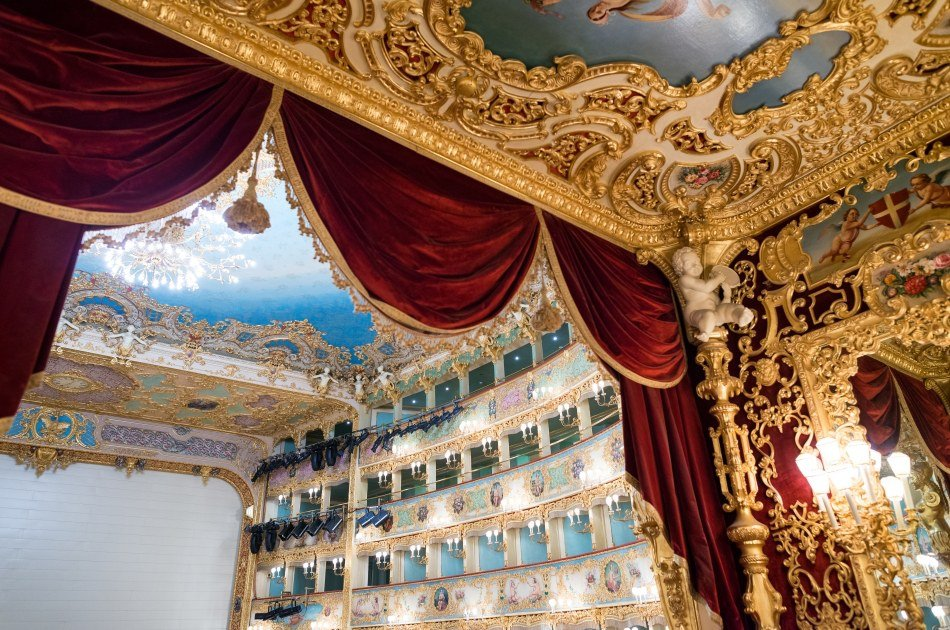 Discover Venice on an Afternoon Walking Tour