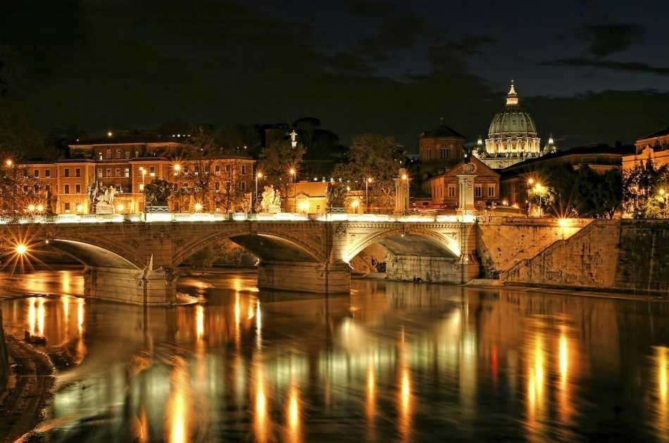 Discovering Rome by Night Tour