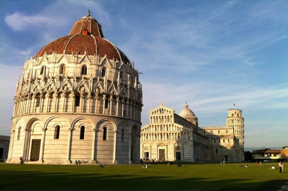 Exclusive Pisa With Leaning Tower