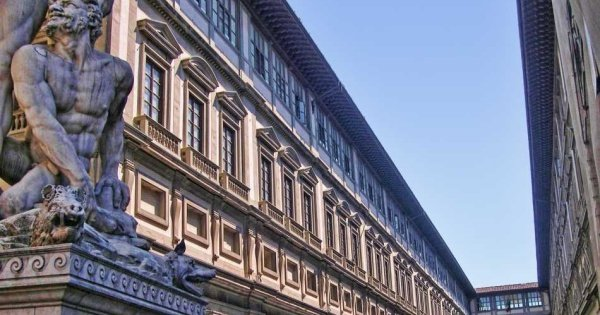 Florence Afternoon Guided City Tour with Santa Croce Church, Piazza Della Signoria & Uffizi Gallery