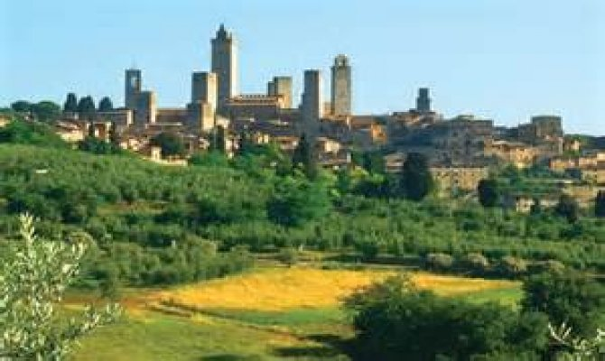 Tuscany Highlights: San Gimignano, Siena and Chianti Wine Tour