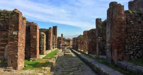 Full Day Private Sorrento, Positano, and Pompeii Tour from Naples