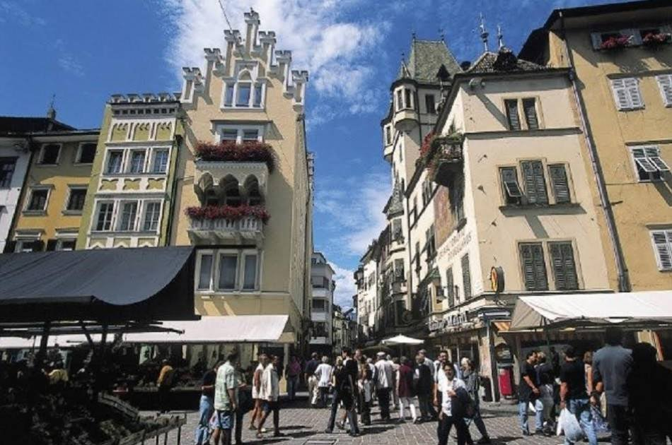 """Guided Walking Tour """"The historical City Centre of Bolzano"""""""