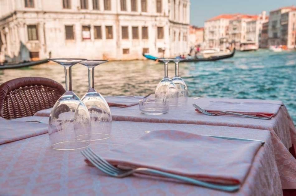 Original Venetian Dinner Small Group Tour