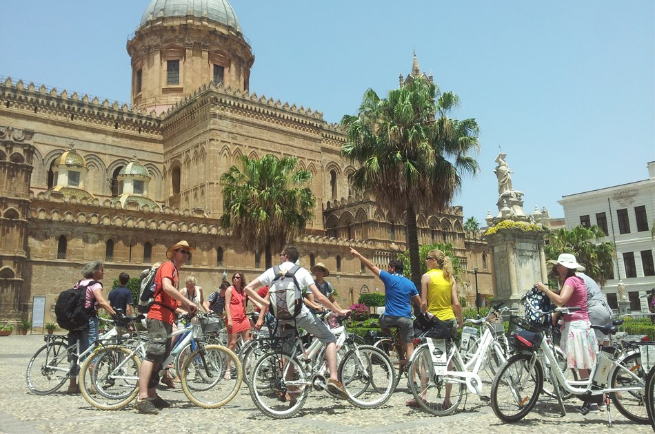 Palermo Old Town Bike Tour in Sicily
