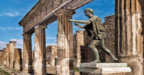 Panoramic Sorrento and Pompeii Ruins Tour in Italy