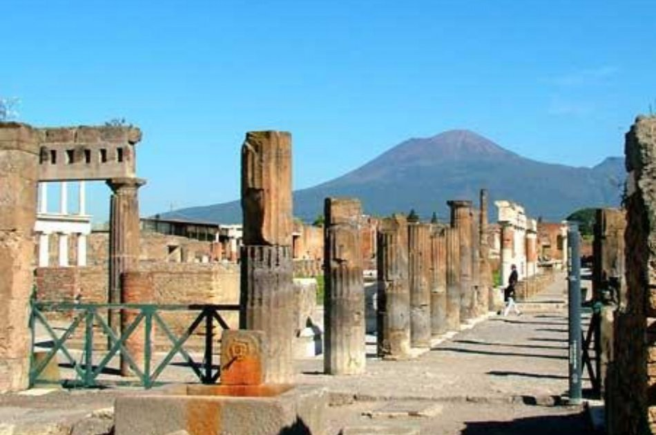 Pompeii - Sorrento - Positano Private Tour With Guide in Pompeii
