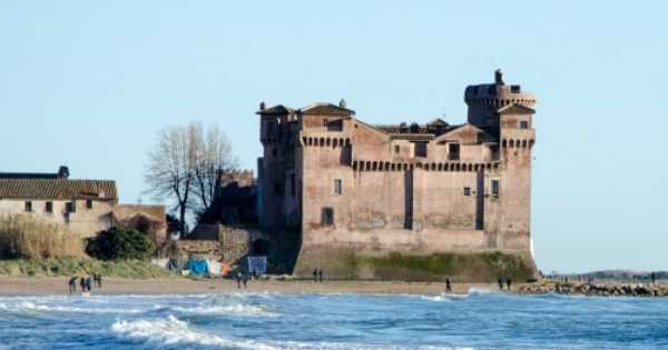 Private Half Day Child Friendly Trip to Santa Severa Castle