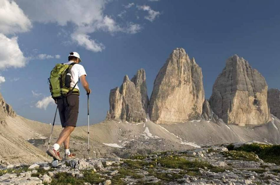 Private Hiking Tour Around The Three Peaks of Lavaredo (Tre Cime di Lavaredo)