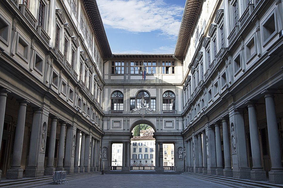 Private Tour of Uffizi Gallery & Holy Cross Church From Florence