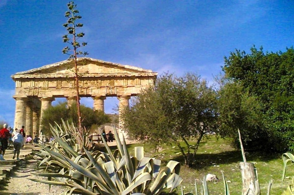 Private West Coast Tour to Erice & Segesta from Palermo