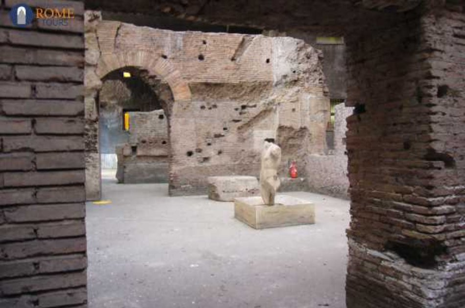 Rome Highlights and its Hidden Underground Gems Group Tour