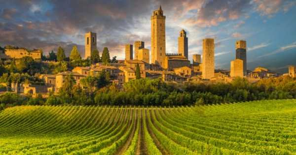 Semi-independent Siena, San Gimignano, Monteriggioni and Chianti With Wine Tasting in a Typical Winery