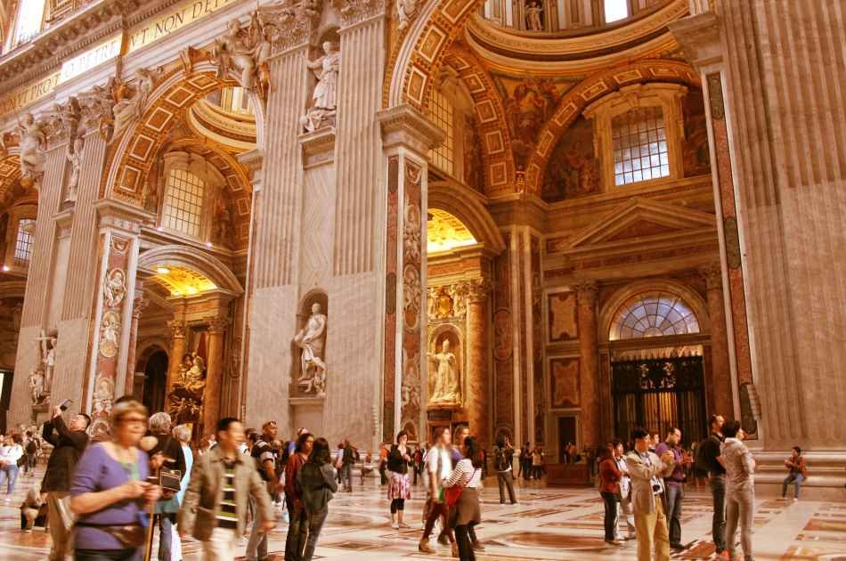 Skip the Line: Exclusive Extended Vatican Museum Group Tour