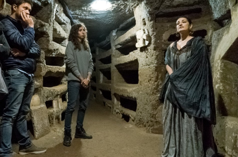 The Catacombs of Rome: Exclusive Guided Tour with Actors after Closing