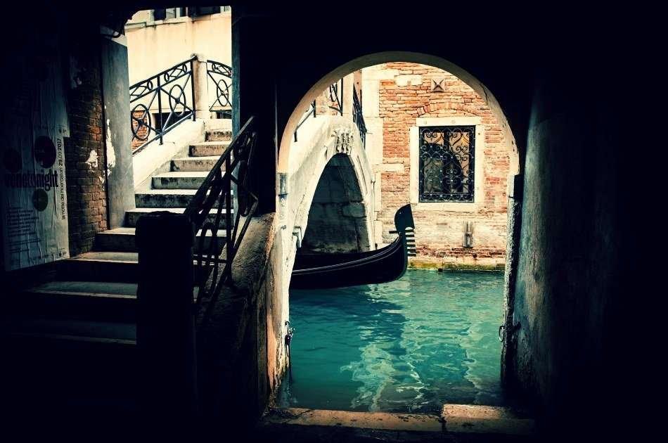 Underground Venice : Legends and Ghosts of Venice Tour