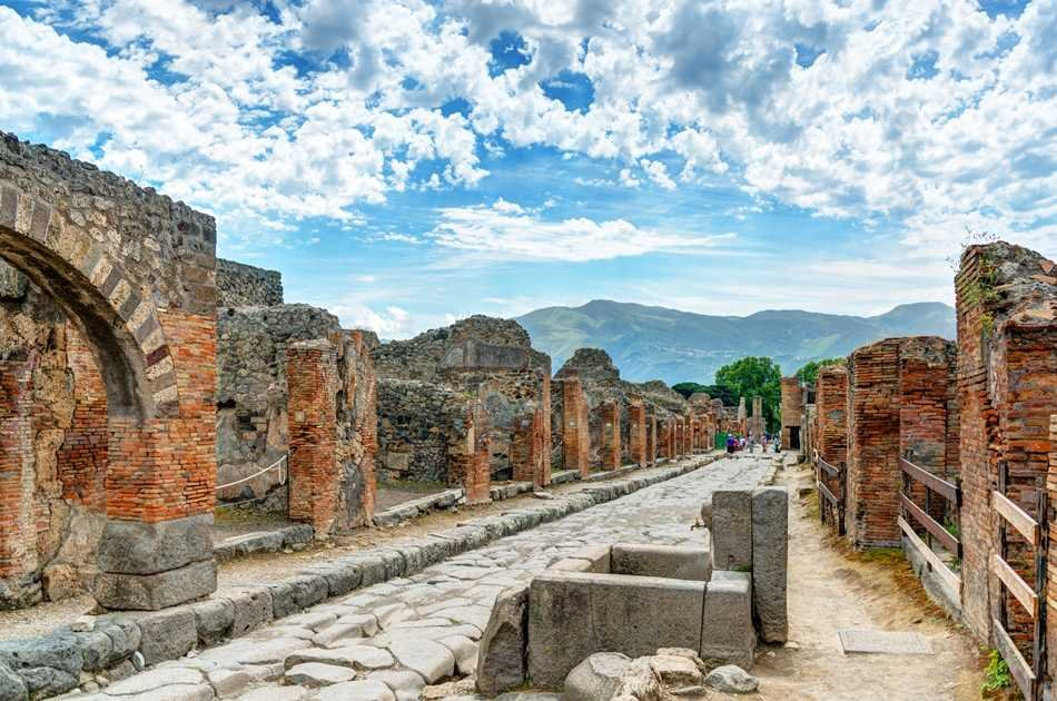 UNESCO JEWELS: Pompeii and its Ruins Group Tour