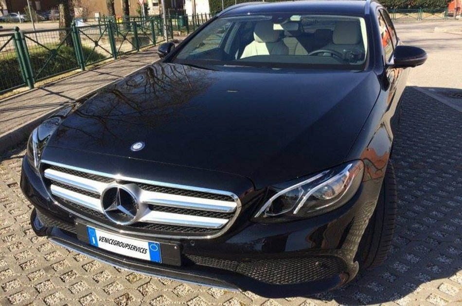 Venice Airport to Cruise Port Round Trip Private Transfer by Sedan