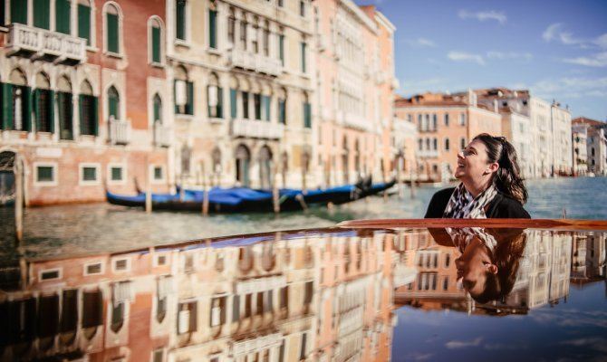 Grand Canal Boat Tour and Murano Glass Experience