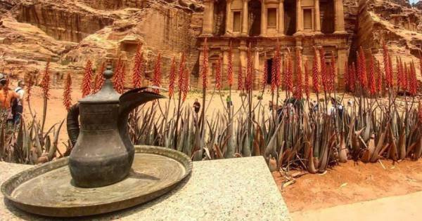 Private Hiking Tour from Petra to Wadi Rum