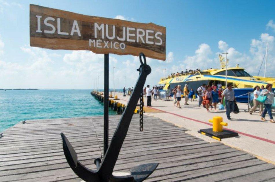 4 Hour Isla Mujeres Nalgone Catamaran 30' (up to 12 people)