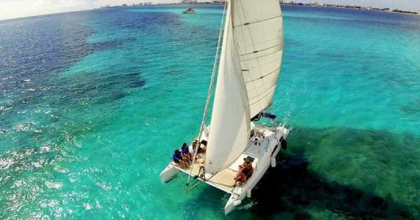 4 Hour Isla Mujeres Nalgone Catamaran 30' (up to 12 people)