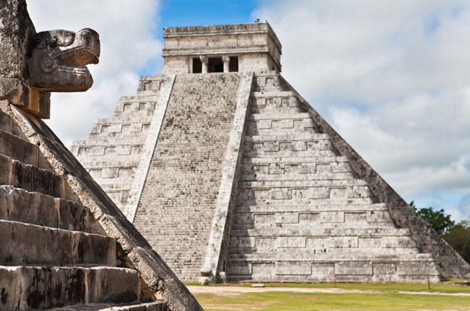 Chichen-Itza, Ik-Kil Cenote and Valladolid Private Tour from Cancun with Lunch