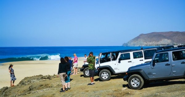 Todos Santos Jeep Safari