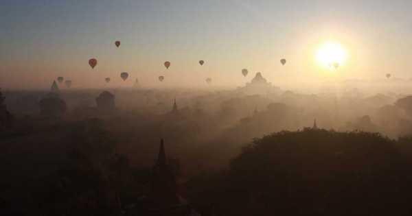 Balloon Over Bagan Inle