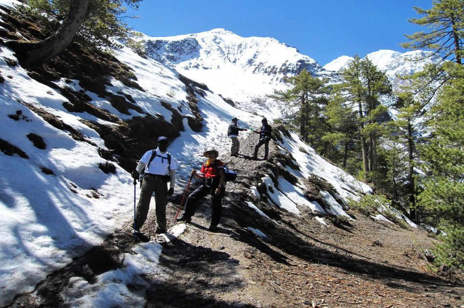 Annapurna Circuit 21 Day Trek- A Classic Annapurna Trek