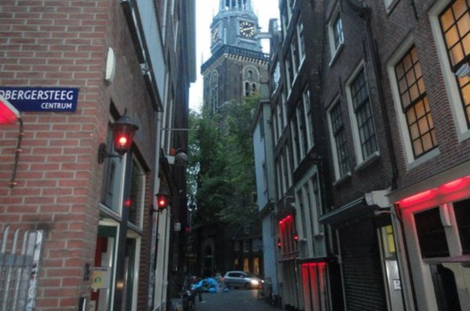 Fascinating Private Tour of The Red Light District in Amsterdam