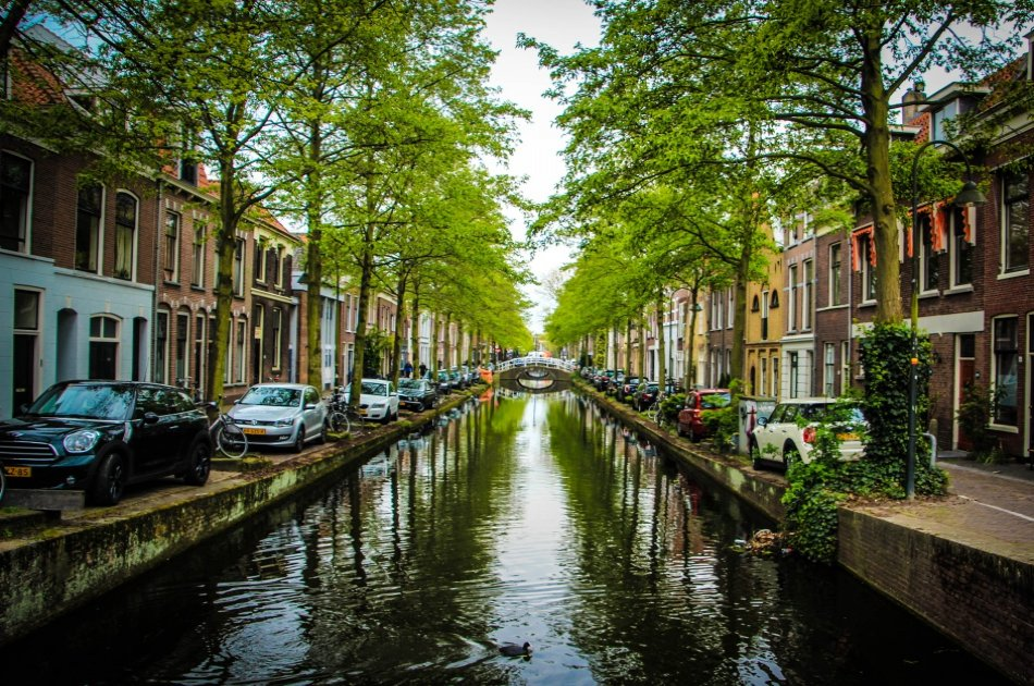 Private Guided Tour of Rotterdam and Delft in the Netherlands